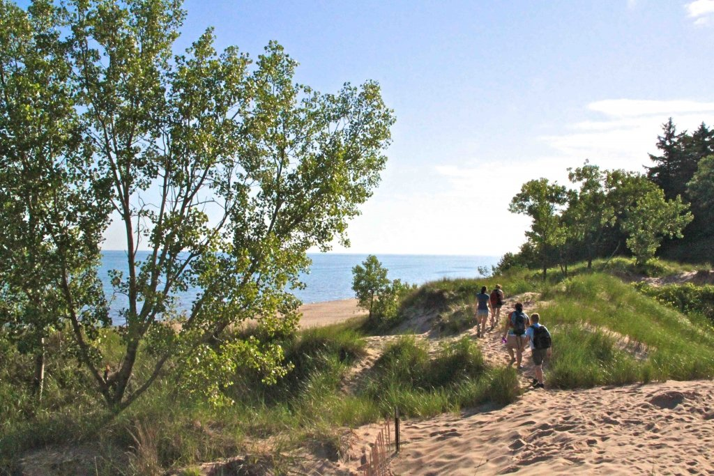 people hiking the indiana dunes